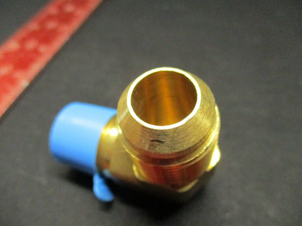 Applied Materials (AMAT) 3300-02291   FITTING, TUBING, ADAPTER 5/8T 1/2NPT MALE 90 DEGREE ELBOW