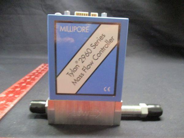 MILLIPORE CORP FC-2960M-4V TYLAN 2960 SERIES MASS FLOW CONTROLLER RANGE:15 SLPM GAS:02