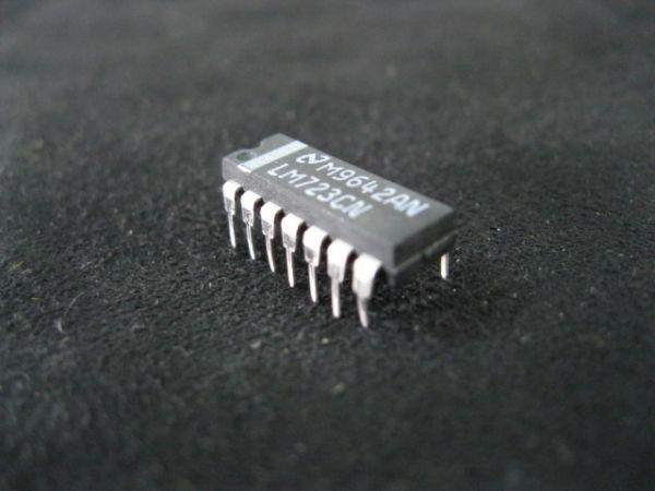 STMICROELECTRONICS LM723CN STMICROELECTRONICS IC VOLT REGULATOR HI PREC 14-DIP