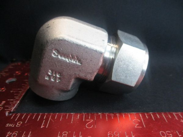 Applied Materials (AMAT) 3300-91306   FITTING, ELBOW FEM. 1 OD X 3/4 NP2