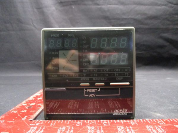 YAMATAKE-HONEYWELL DCP30 PROGAMMING CONTROLLER AC100-240V 50/60Hz