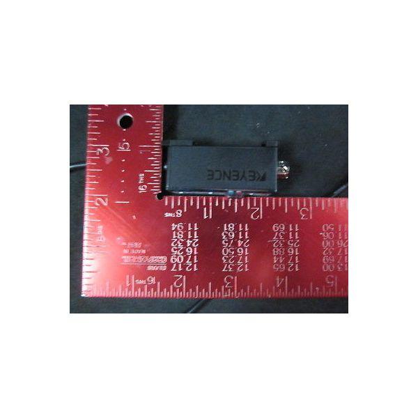 KEYENCE FS2-62 Photoelectric Sensor, 12~24V DC  harvested off unused system