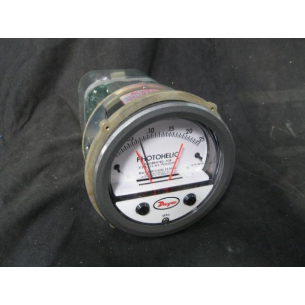 DWYER 3000-00-TAMP 0-025 PHOTOHELIC PRESSURE GAUGE